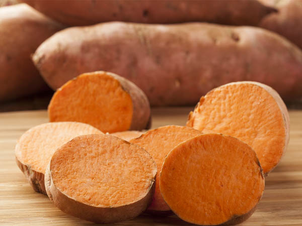 Lower Breast Cancer Risk with Vegetables and Fruits